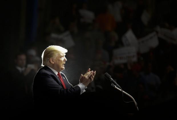 Donald Trump AP16120154777254-620x422