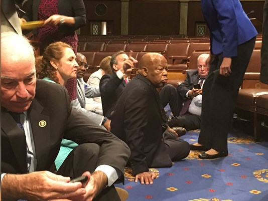 dems sit-in_1466612350006_3296938_ver1.0