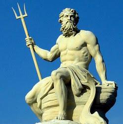 Neptune-god-statue