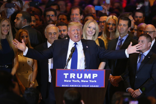 election-night-donaldtrumpholdsnyelectionnighteventtipi_8rljzwl