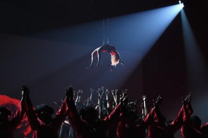 Madonna-57th-Annual-GRAMMY-Awards-Telecast-IkOylsidL59x